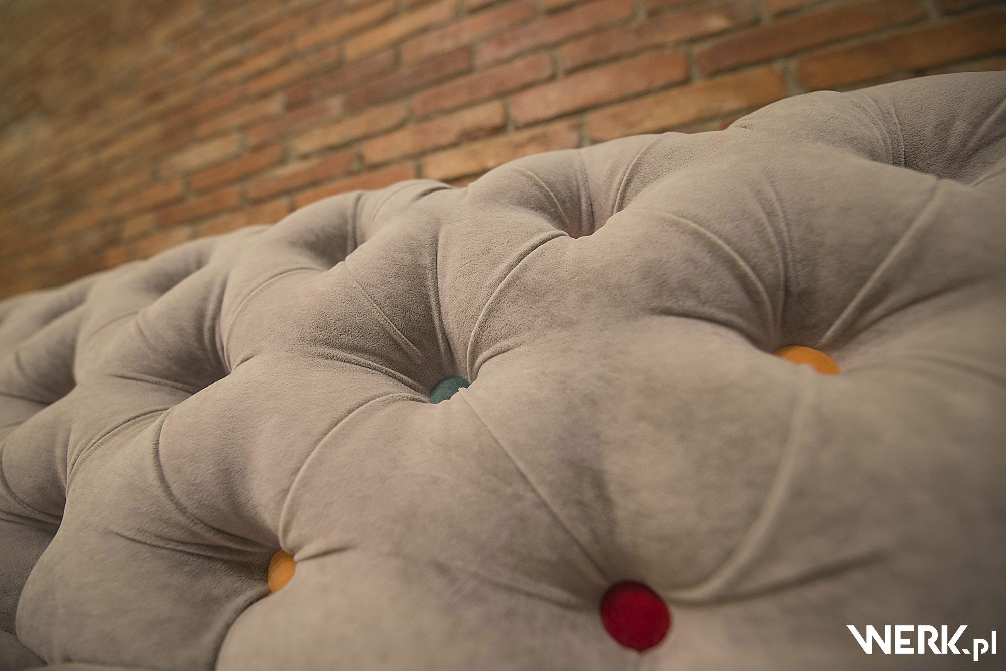Architektura wnętrz - detal - mebel tapicerowany na zamówienie